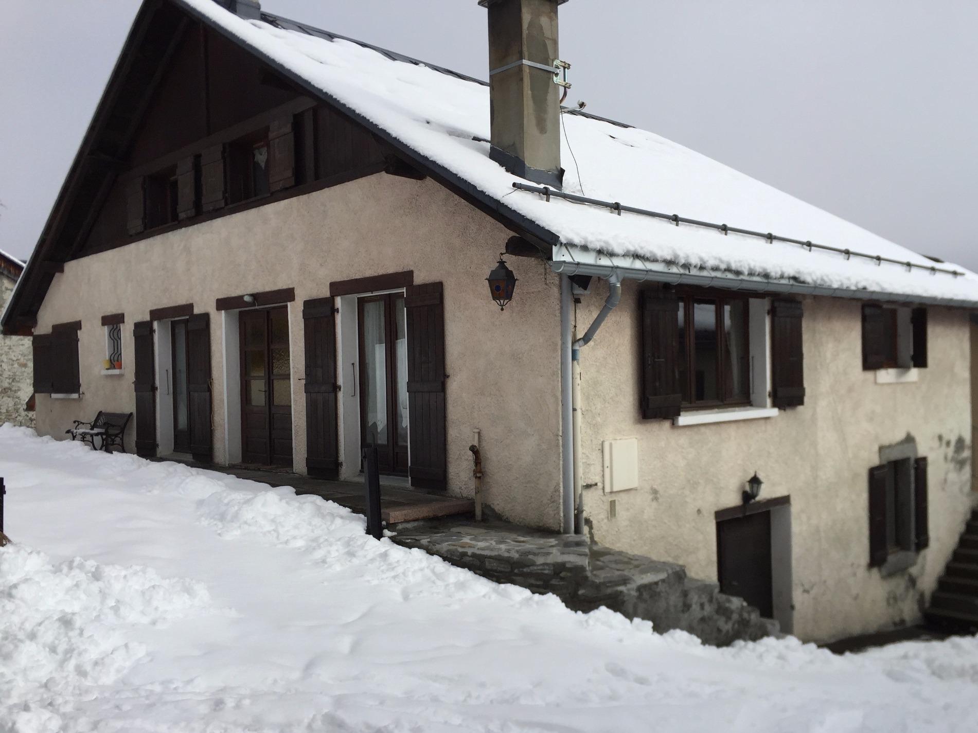 <p></p><p>  </p><p>Ferme de 250 m² à vendre situé dans le quartier des Moussoux, à proximité de la télécabine du Brévent.</p><p>Situation exceptionnelle face au Mont-Blanc,