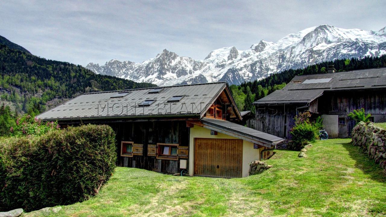 Sur la partie haute de Vaudagne, à 5 mn de voiture du domaine skiable des Houches, au calme et avec une