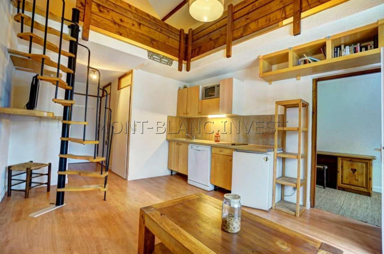 2 ROOM FLAT WITH LARGE MEZZANINE